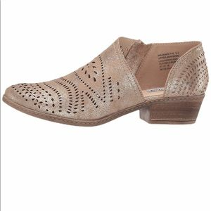 Not Rated Anouk Lazer Cut Side Coun Out Shoe Sz 10